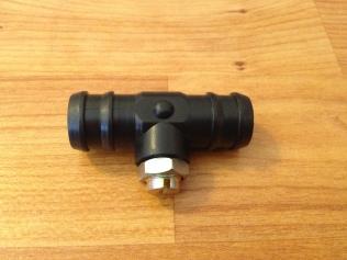 Manual low pressure valve